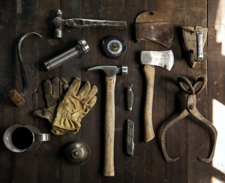 Cosa mettere nella cassetta degli attrezzi per casa?